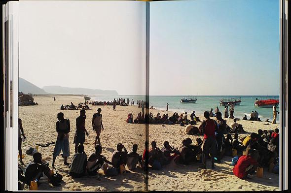 12 альбомов фотографий непривычной Африки. Изображение № 56.