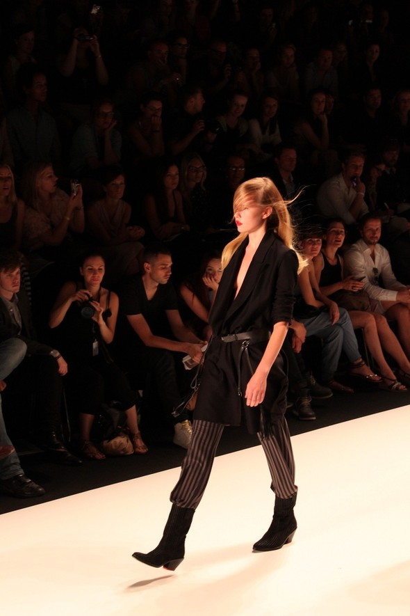 Показ A.F.Vandevorst на Неделе моды в Берлине. Изображение № 5.