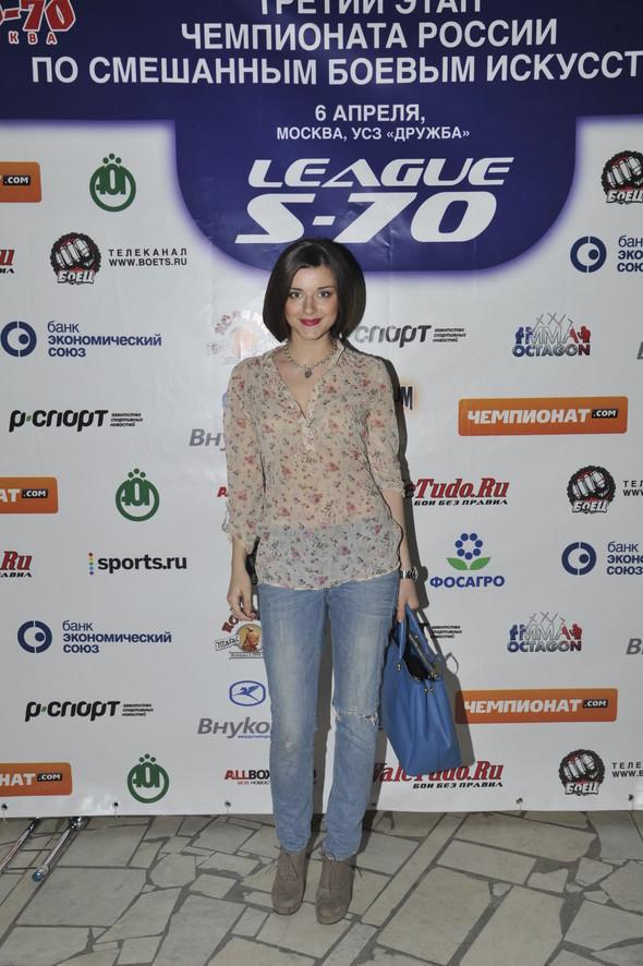 Звезды поддержали спорт на третьем этапе чемпионата России по смешанны. Изображение № 1.