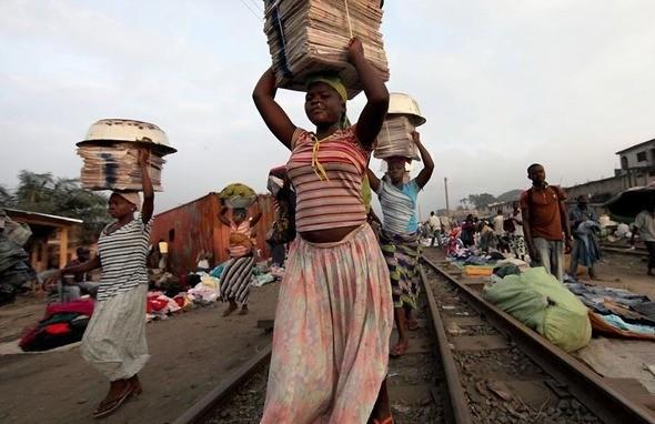 Изображение 1. Рыночные девушки из Ганы.. Изображение № 1.