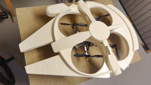 Энтузиаст построил дрон в виде «Тысячелетнего сокола». Изображение № 19.