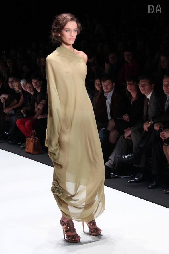 Mersedes-benz fashion week Russia, день первый. Показ Лены Карнауховой. Изображение № 13.