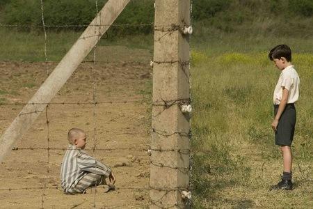 Мальчик вполосатой пижаме. Изображение № 1.