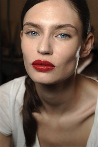 Red lipstick. Изображение № 33.