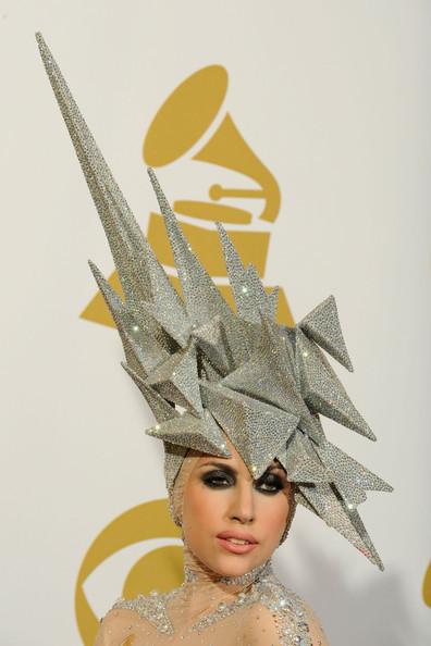 Очередные метаморфозы Lady Gaga. Изображение № 24.