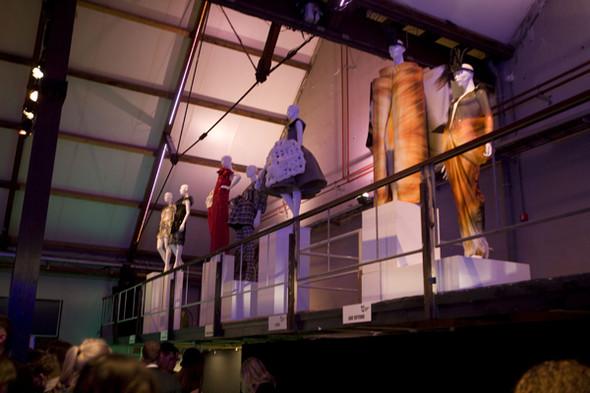 Первые лица Голландии на неделе моды в Амстердаме. Изображение № 7.