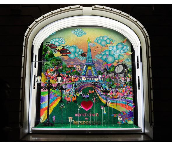 Три витрины магазинов, которые оформили современные художники и дизайнеры. Изображение № 1.