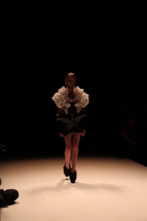 Iris van Herpen на берлинской Неделе Моды весна-лето 2012. Изображение № 2.