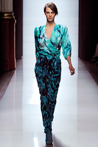 Модный дайджест: Новый дизайнер Sonia Rykiel, книга Кристиана Лубутена, еще одна коллаборация Target. Изображение № 11.