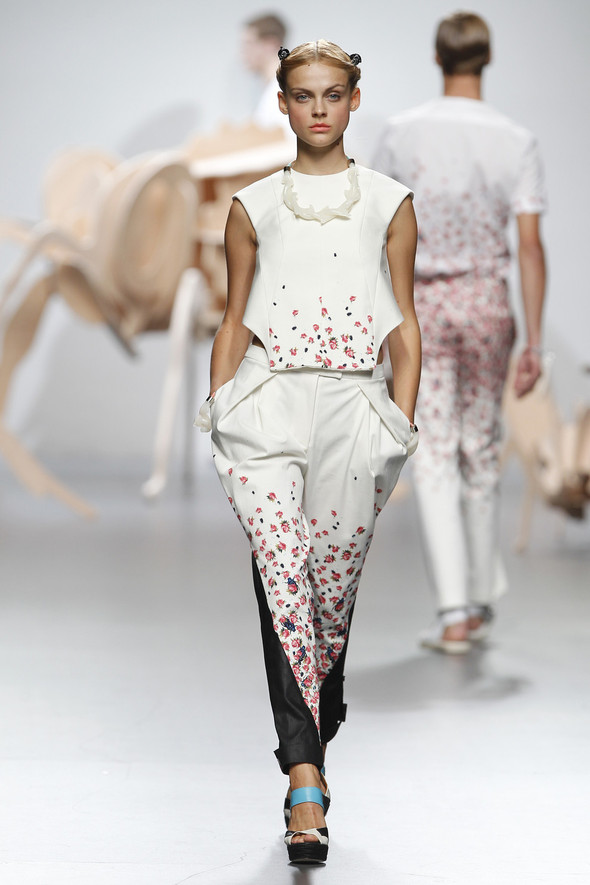 Madrid Fashion Week SS 2012: Ana Locking. Изображение № 18.