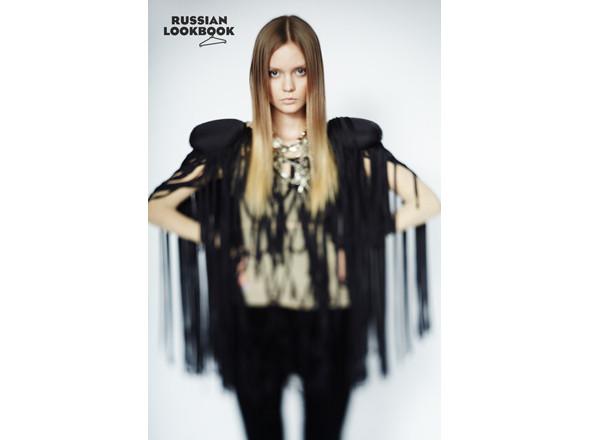 Кофта Oxanastakhova, брюки Sofia Zharova, сапоги X'U, футболка Case. Изображение № 19.