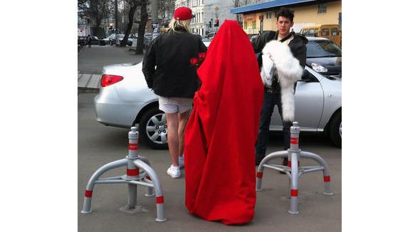 В такой компании Salem отправились гулять на Красную площадь. Изображение №1.