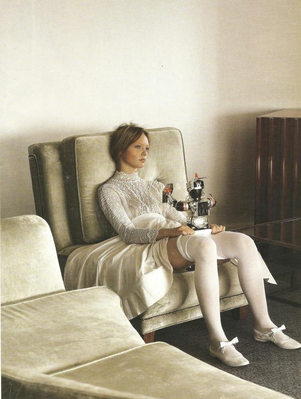 Архивная съёмка: Монахини и роботы в объективе Стивена Мейзела, 2006. Изображение № 11.