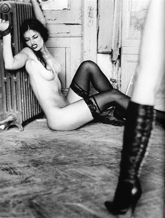 Части тела: Обнаженные женщины на фотографиях 1990-2000-х годов. Изображение №15.