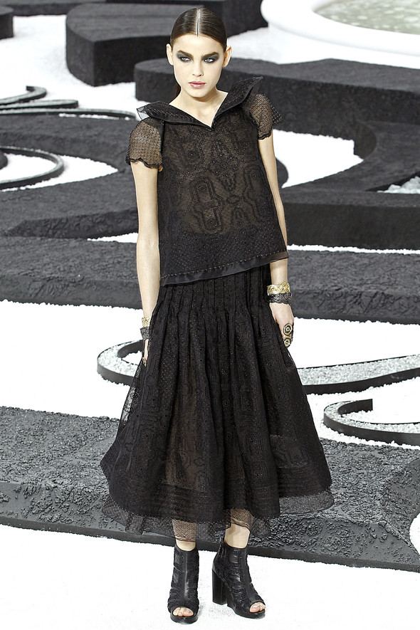 Карл Лагерфельд показал одну из самых красивых коллекций, когда-либо созданных для Chanel. Изображение № 45.