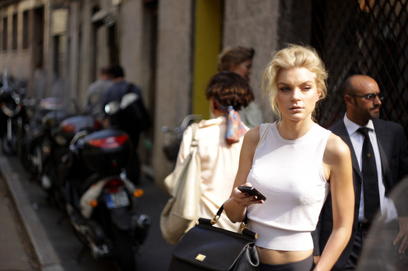 Milan Fashion Week: Модели после показов. Изображение № 7.