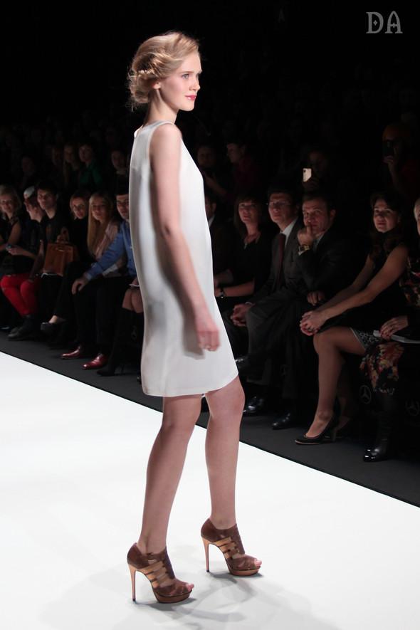 Mersedes-benz fashion week Russia, день первый. Показ Лены Карнауховой. Изображение № 2.
