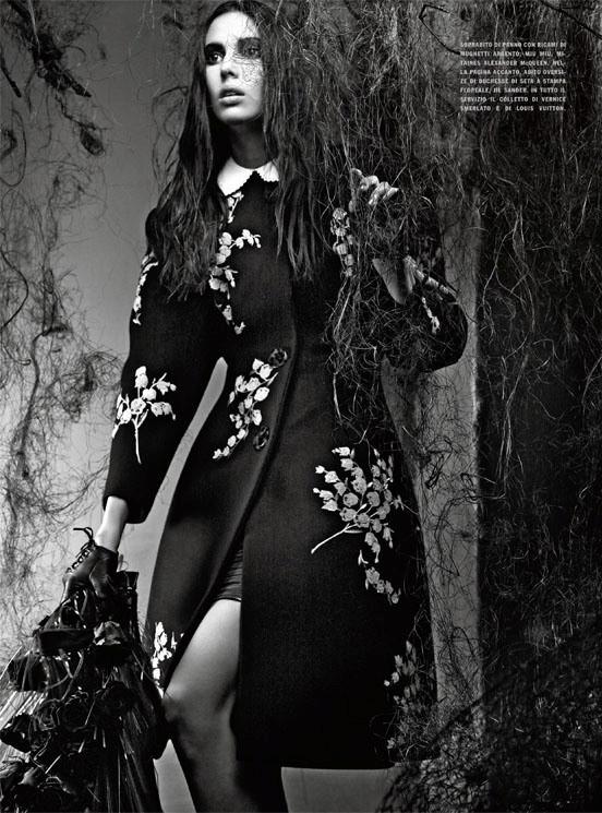 Съемка: Аризона Мьюз и Руби Олдридж для Vogue Италия. Изображение № 10.