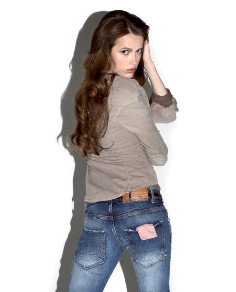 2 Men Jeans, Two Women In The World – идеальная пара найдена. Изображение № 7.