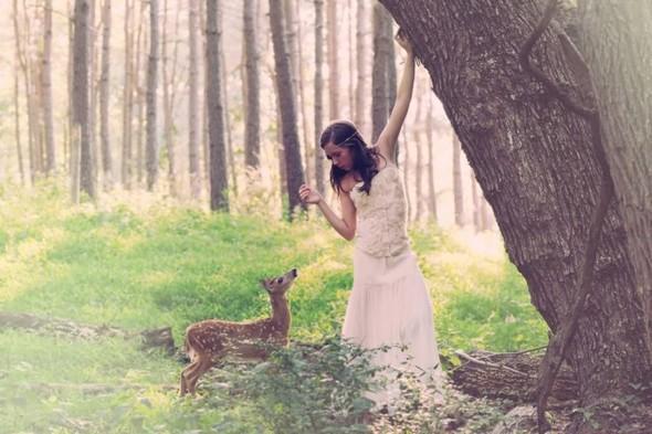 ЭМИЛИ ЛИ : девушка и олень. Изображение № 10.