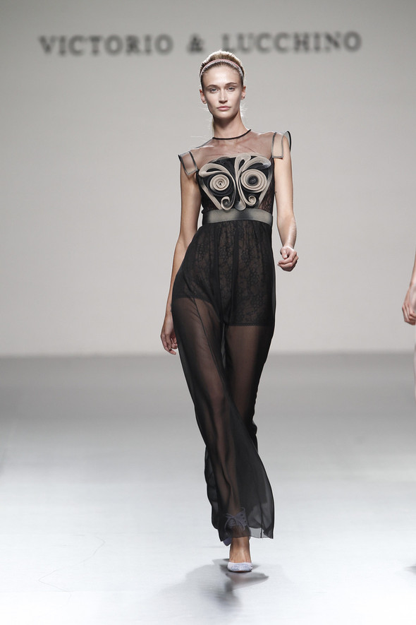 Madrid Fashion Week SS 2012: Victorio & Lucchino. Изображение № 27.