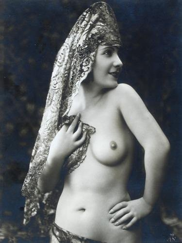 Части тела: Обнаженные женщины на винтажных фотографиях. Изображение №11.