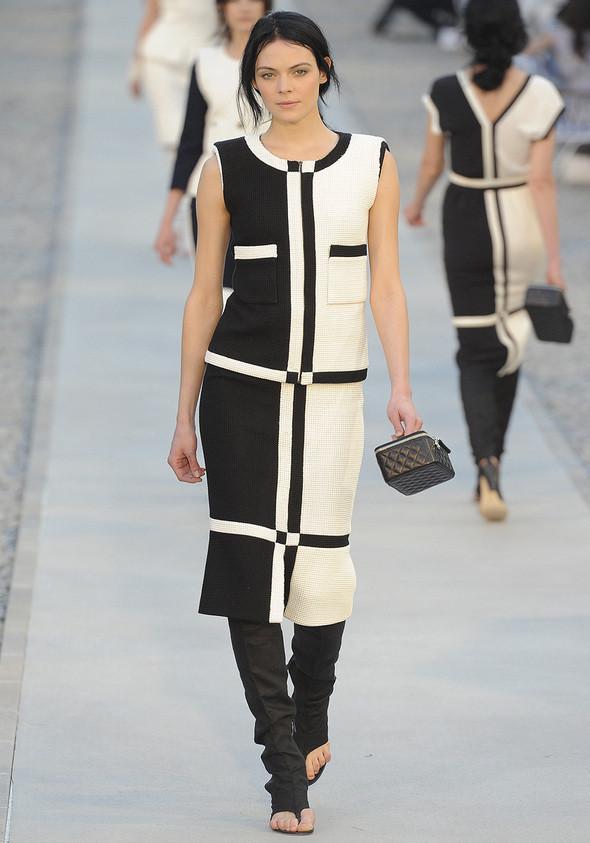 Изображение 18. Показана новая круизная коллекция Chanel.. Изображение № 18.