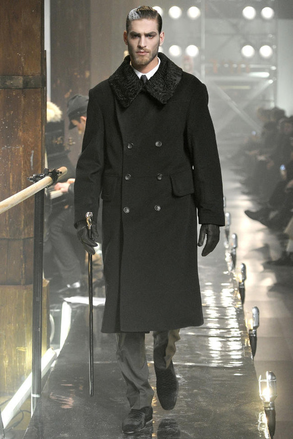 Джон Гальяно/ Осень-зима 2011/ Неделя моды в Париже. Изображение № 4.