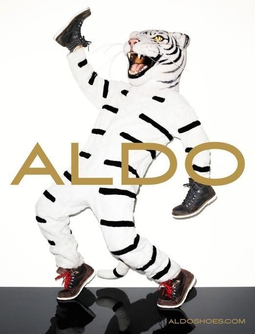 Кампания: Терри Ричардсон и Лили Дональдсон для Aldo FW 2011. Изображение № 9.
