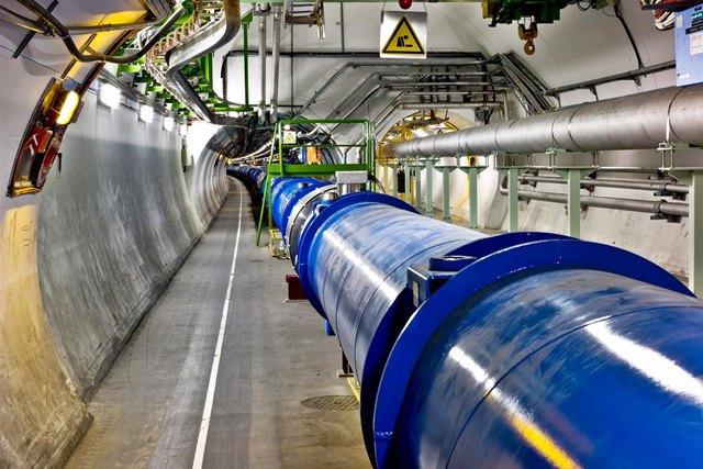 Участок кольца  Большого адронного коллайдера. Изображение № 1.