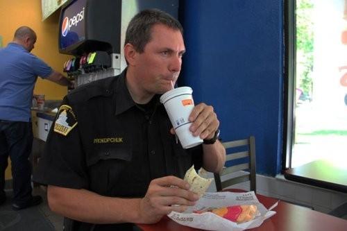 Один день из жизни американского шерифа. Изображение № 21.
