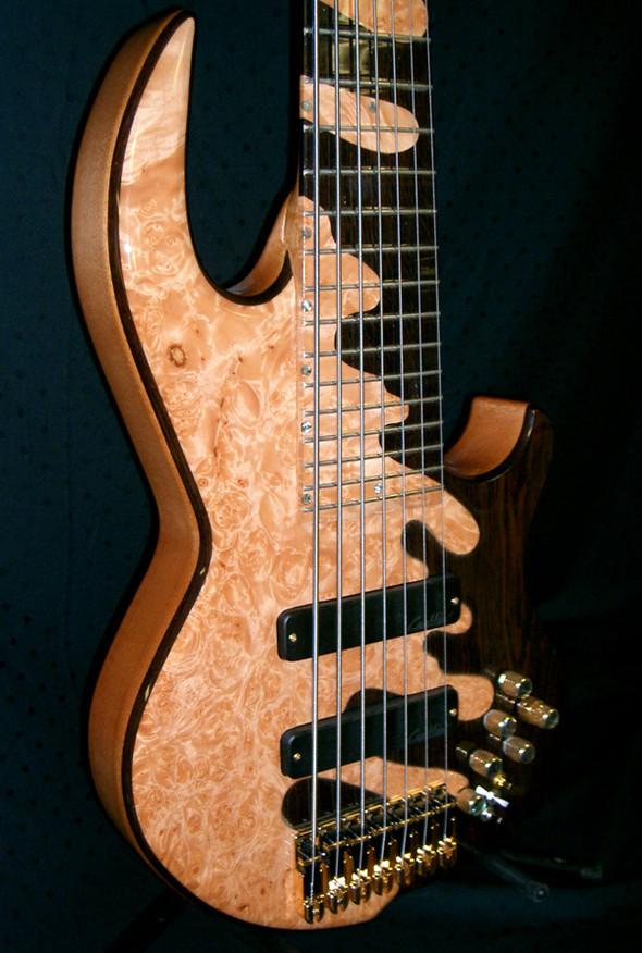 Необычные бас-гитары prt.2. Изображение № 7.