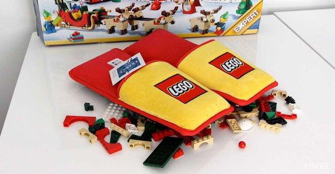 Lego выпустила тапочки с защитой от конструктора . Изображение № 2.