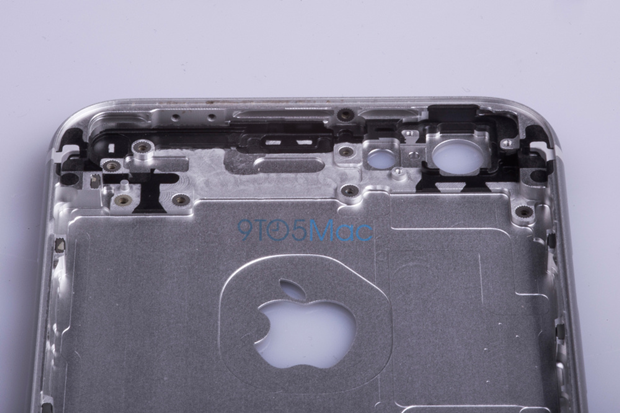 Выложены фото якобы подлинной тыльной стороны iPhone 6s. Изображение № 6.