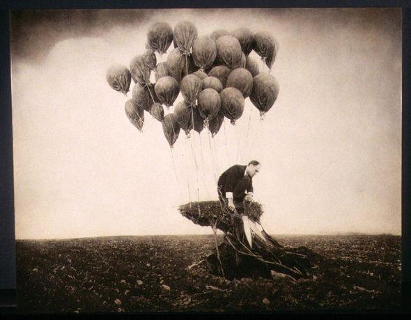 Еще восемь фотографов сюрреалистов. Изображение № 40.