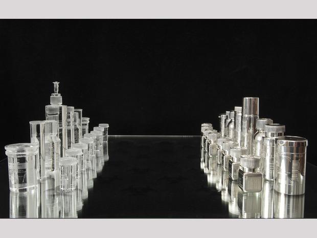 Шахматный набор Дэмиена Хёрста. Изображение №4.