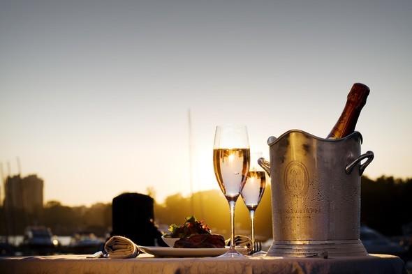 Ресторан-курорт в черте города - Открытие Le Cristal. Изображение № 2.
