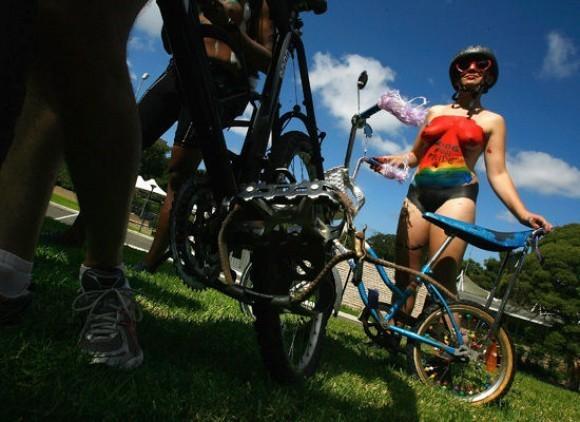 World Naked Bike Ride Day. Изображение № 5.
