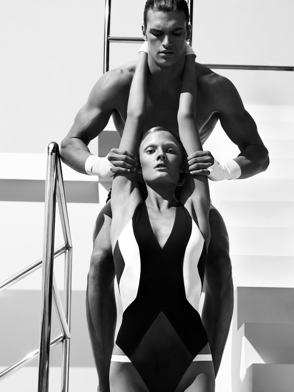 Быстрее, выше, сильнее: Модные съемки, вдохновленные спортом. Изображение №105.