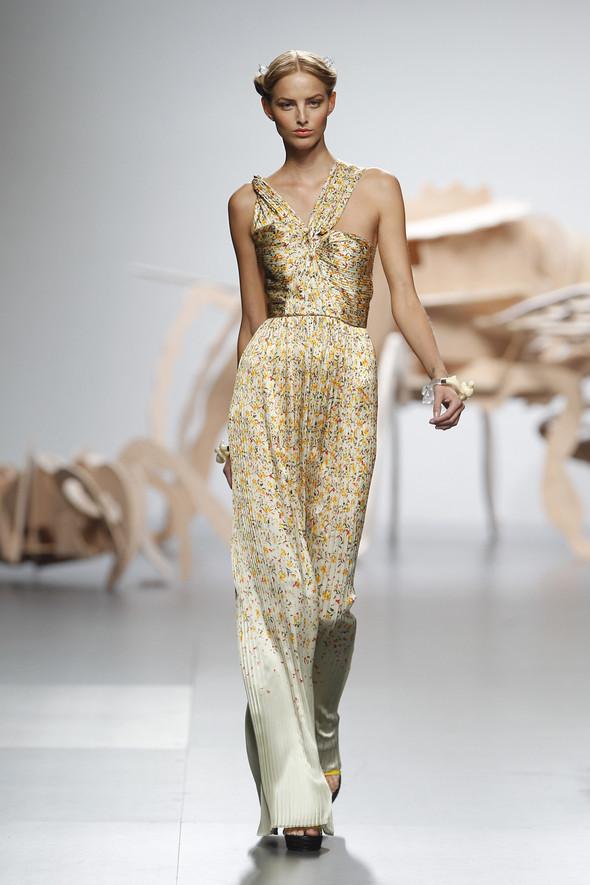 Madrid Fashion Week SS 2012: Ana Locking. Изображение № 27.