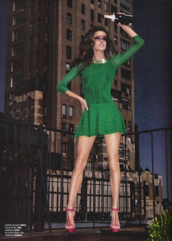 Съёмка: Алессандра Амброзио, Эмануэла де Паула и другие для Vogue. Изображение № 5.