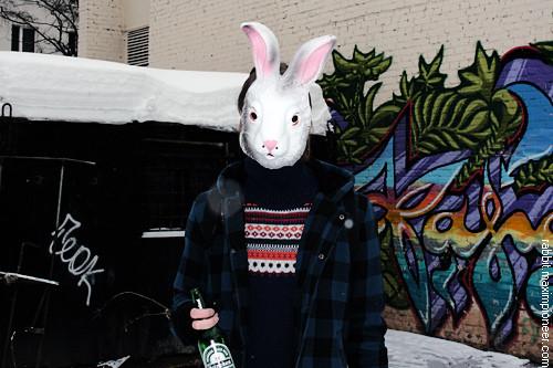 February 19, 2011 @ 16:27 I'm drinking Heineken beer near my home.. Изображение № 7.