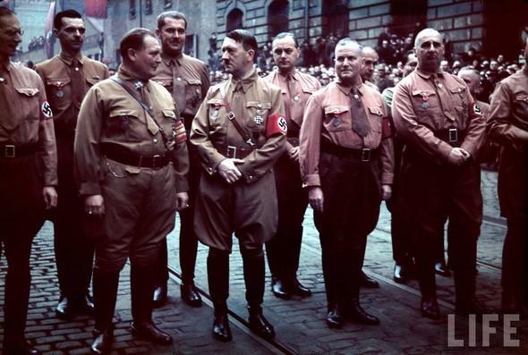 100 цветных фотографий третьего рейха. Изображение № 98.