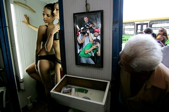 День нижнего белья в Бразилии. Изображение № 4.