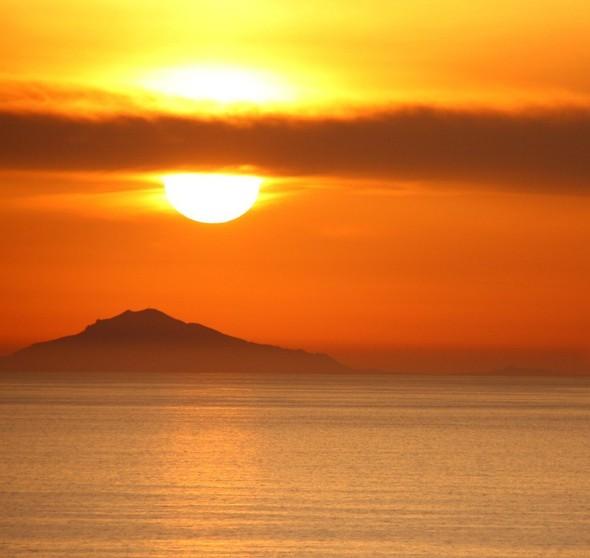 Санторини: Боги, вино и закаты. Изображение № 35.