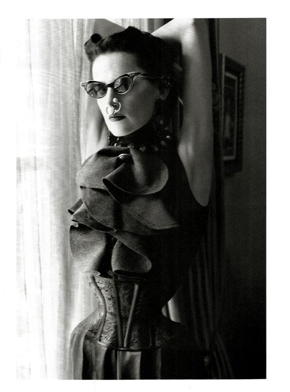 Съёмка: Стелла Теннант в объективе Стивена Майзела. Изображение № 4.