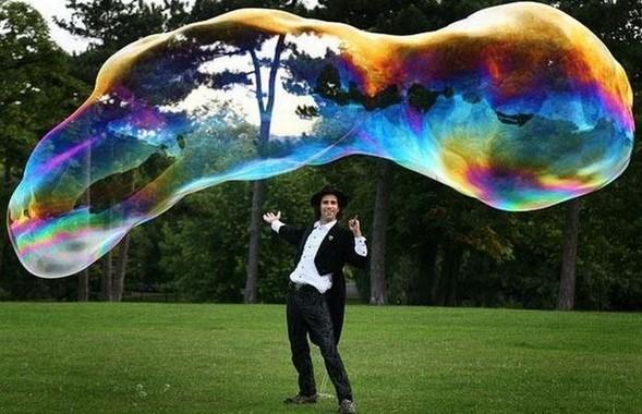 Самый большой вмире мыльный пузырь. Изображение № 1.