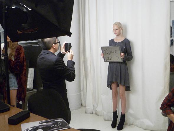 Дневник модели: Разговор с новым лицом Prada, съёмка и снова «Старбакс». Изображение № 21.
