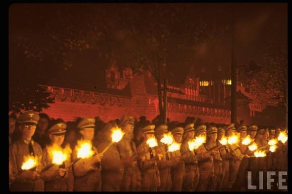 100 цветных фотографий третьего рейха. Изображение №10.