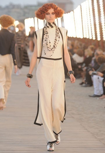 Chanel 2010 Cruise collection. Изображение № 2.